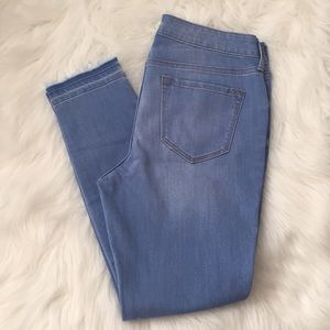 Old Navy Rockstar light wash jeans